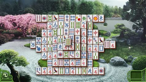 Screenshots of Minesweeper, Solitaire, and Mahjong games