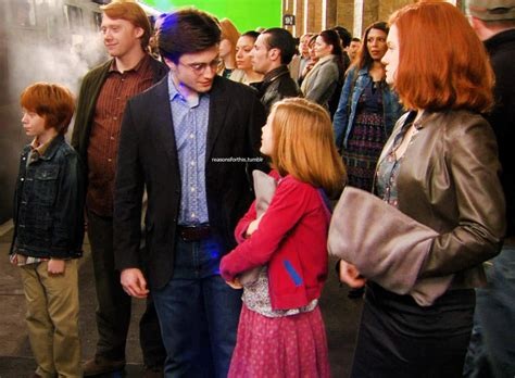 Deathly Hallows Behind the Scenes - Harry Potter Photo