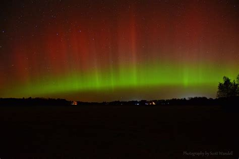 Meteor Shower Mixes with Surprise Northern Lights SHow